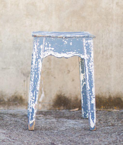 taburete-azul-antiguo